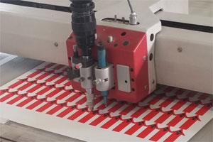 Druckweiterverarbeitung der Druckerei MDG - Plotten